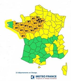 20 départements des régions Bretagne, Pays de la Loire, Centre et Île de France ainsi que l'Eure et l'Orne sont placés en alerte orange à la neige et au verglas ce jeudi 13 décembre 2012 - Météo France