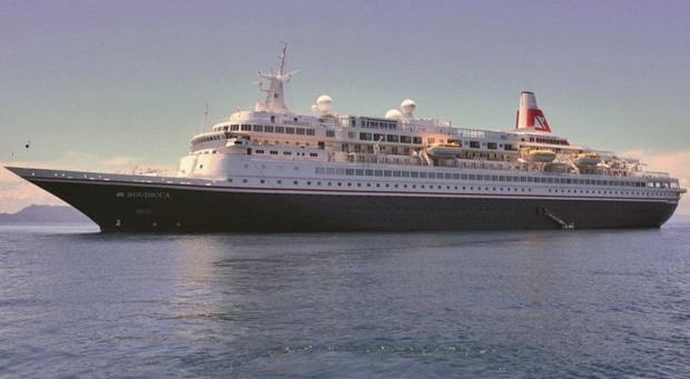 Le Black Watch et le Boudicca avaient été parmi les premiers navires de croisière modernes spécialement construits  pour la Royal Viking Line dans les années 1970. - DR