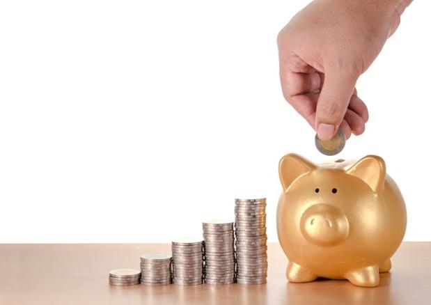 Ainsi celles qui justifient d'une perte de chiffre d'affaires supérieure à 80%, notamment les entreprises de voyage ]bou celles impactées par l'abaissement de la jauge à 1 000 personnes pour les rassemblements, le fonds de solidarité prendra en charge la perte de chiffre d'affaires jusqu'à 10 000 euros par mois dans la limite de 60% du chiffre d'affaires. - Depositphotos.com kwanchaidp