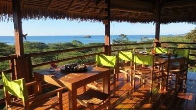 Les chambres de l'établissement offrent une vue sur les îles Mitsio - Photo DR