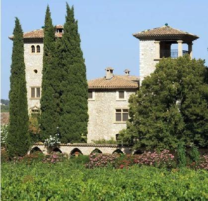 6 nouvelles chambres vont être construites au Château de Berne pour 2013 - Photo DR