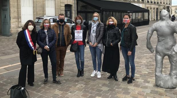 Nahtalie Goulet et des agents de voyages à Caen pour défendre la profession - Compte Twitter de la sénatrice Nathalie Goulet