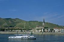 Croisière sur le Rhône, au niveau de Tain l'Hermitage (26), © E. Maulave