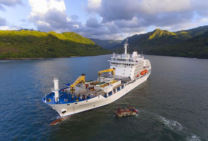 Ravitaillement et visite de l'île de Nuku Hiva dans l'archipel des Marquises - DR Croisières Aranui