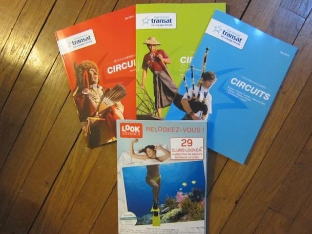 Les nouvelles brochures été de Vacances Transat et Look Voyages à retrouver dans les agences. DR