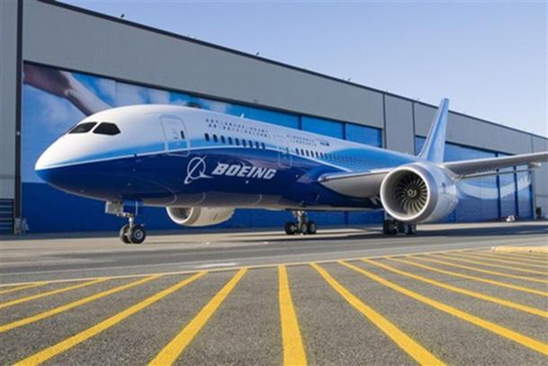 Depuis la décision des autorités de tutelle japonaises d'interdire de vol les 24 B-787 de ANA et JAL, les décisions gouvernementales se sont accélérées - DR : Boeing