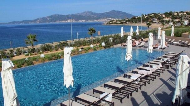 Le Radisson Blu, nouvel hôtel d'Ollandini pour développer l'arrière saison et le tourisme MICE. DR-JDL