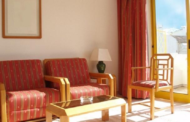 Malgré la crise, l'hôtellerie française s'en sort bien en 2012, principalement grâce aux performances des établissements de la capitale - Photo-Libre.fr