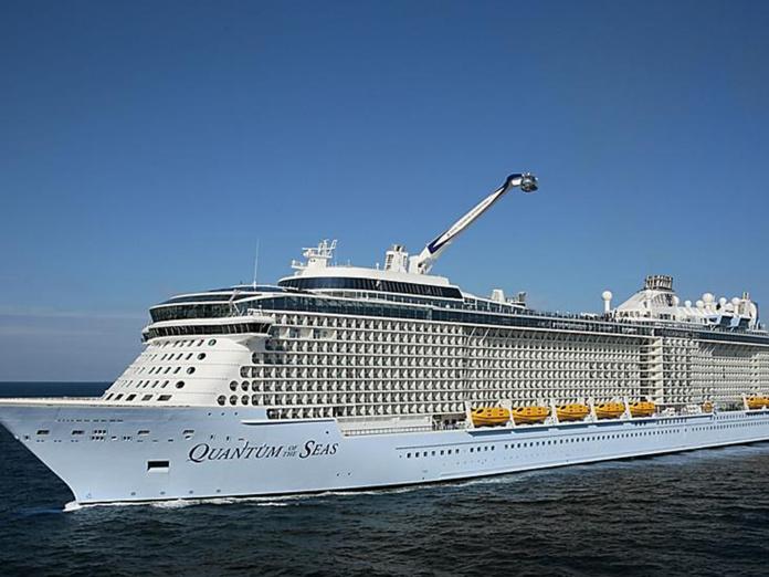 Les passagers du Quantum of the Seas sont équipés d'un système technologique de pointe permettant de retrouver leurs contacts en cas de besoin. - DR RCCL