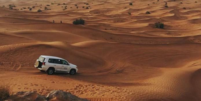 Tout schuss dans le désert à Dubaï - DR