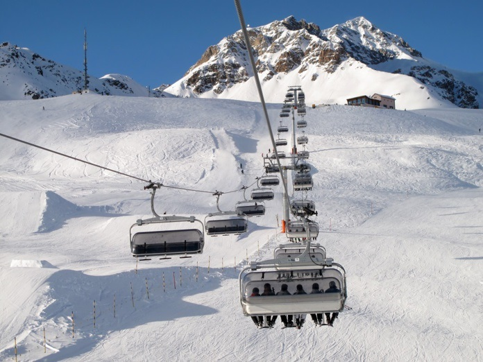 """""""Des différenciations géographiques auraient dû être envisagées, notamment pour les régions où est pratiqué un ski à la journée sans hébergement"""" ont fait valoir les acteurs de la montagne - DR : DepositPhotos.com"""