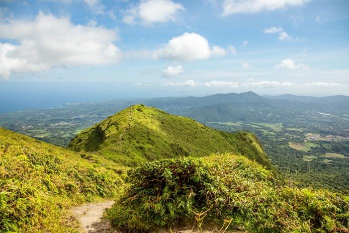 « Volcans et Forêts de la Montagne Pelée et des Pitons du nord de la Martinique » - Depositphotos.com ambeon