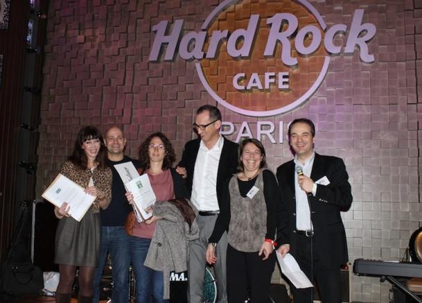 Le Visit USA Committee a distribué pour 120 000 euros de cadeaux aux agents de voyages lors de sa soirée de formation au Hard Rock Café de Paris. DR