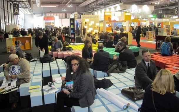 le BIT Milan n'est pas le dernier salon où l'on cause français et pourtant il gagne à être connu. Cet évènement B2B, B2C, réceptif et RV d'affaires (workshop), sorte de guichet unique de la presque totalité de l'offre italienne, contraste avec l'atomisation du secteur en France. /photo JDL