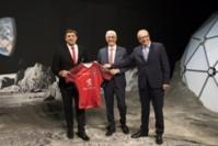 Didier Lacroix Président du Stade Toulousain, Jean-Claude Dardelet Président  de la Cité de l'espace, Jean Baptiste Desbois, Directeur général de la Cité de l'espace