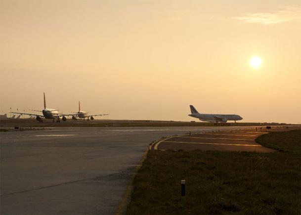 Parmi les low cost, Easyjet continue son déploiement avec un trafic en hausse de 9%, Ryanair suit avec 7%, tandis que Vueling a vu sa part de marché bondir de 31%. - Photo Aéroports de Paris - LUIDER, Emile - LA COMPANY
