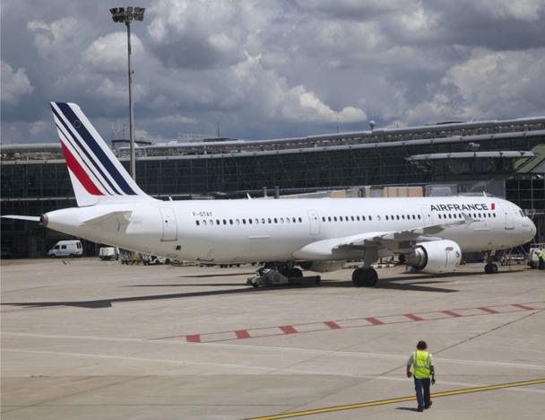 Chez Air France, non seulement on maintient, mais en plus on facture deux fois plus cher ces mêmes structures. Pas de secret, c'est le mur assuré !  - Philippe Delafosse DR