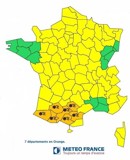 7 départements au Nord des Pyrénées sont en alerte orange aux chutes de neige ce lundi 25 février 2013 - Météo France