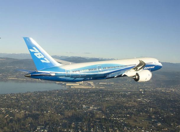 La FAA a laissé entendre que cela prendrait du temps et qu'il n'était pas question de redonner une certification au B-787 avant d'avoir obtenu la certitude que le problème était parfaitement résolu - Photo DR Boeing