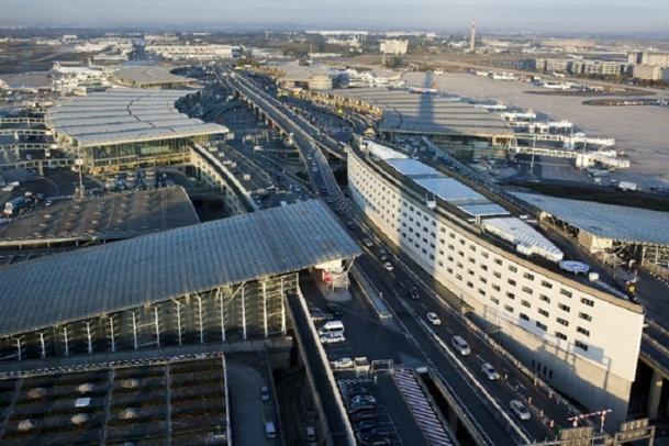 A Paris, les transporteurs low cost traitent 13,7% du trafic total - Photo Aéroports de Paris - LUIDER, Emile - LA COMPANY