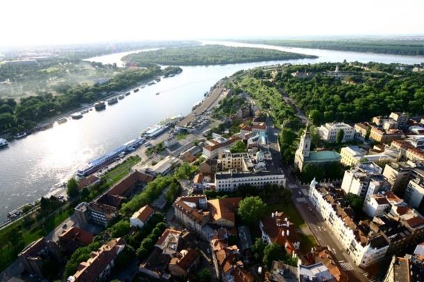 Belgrade, capitale de la Serbie, est une ville qui se prête parfaitement aux city-break, surtout en été, pour profiter de l'animation sur les bords de sa rivière Sava et du Danube. DR