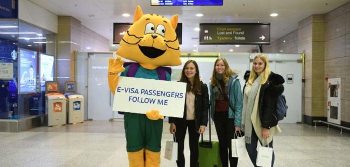 Touristes arrivant en Russie avec un visa électronique (photo: Aéroport Pulkovo de Saint-Pétersbourg)