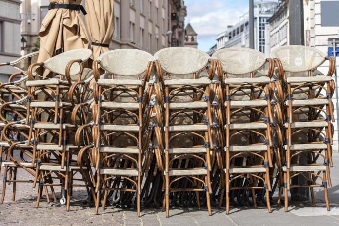 Si aucune annonce officielle n'a encore été faite, les professionnels de la restauration ne croient plus en réouverture suite à leur rendez-vous mardi à Bercy - Depositphotos.com Savvatexture