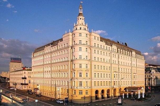 Et oui, c'est la crise, donc il faut compresser les budgets car un 5 étoiles à Moscou c'est quand même pas donné... /photo dr