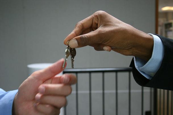 L'agent de réservation a la responsabilité du bon remplissage d'un hôtel - DR : Fotolia