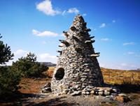 La tour à eau de Gilles Clément sur le parcours artistiques des monts d'Ardèche © Olivier MATHIS
