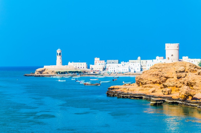Les touristes français peuvent séjourner jusqu'à 14 jours sans visa à Oman - photo: Adobe Stock