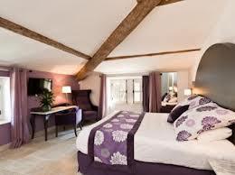 Dans la bâtisse principale, les chambres sont décorées dans un style romantique moderne. (DR)