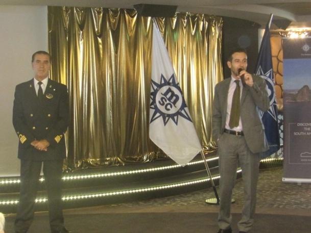 Erminio Eschena (à droite), Directeur général France et Benelux de MSC Croisières lors de la cérémonie de remise des plaques le 21 mars 2013 sur le Preziosa à Marseille - Photo P.C.