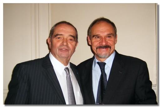 Georges Colson président du Snav et Philippe Grando, président d'Amadeus France  lors du magnifique cocktail (premier du genre) organisé hier soir au siège du Snav à Paris.