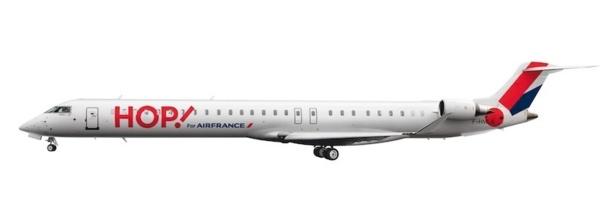 Sur la carlingue, le logo Hop ! est inscrit à l'encre rouge vif - DR : Air France