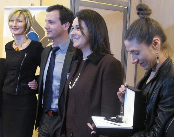 Sylvia Pinel, ministre française du Tourisme a remis le Prix Plumes d'Or de la Presse Tourisme à Marion Tours du magazine Le Point - Photo DR