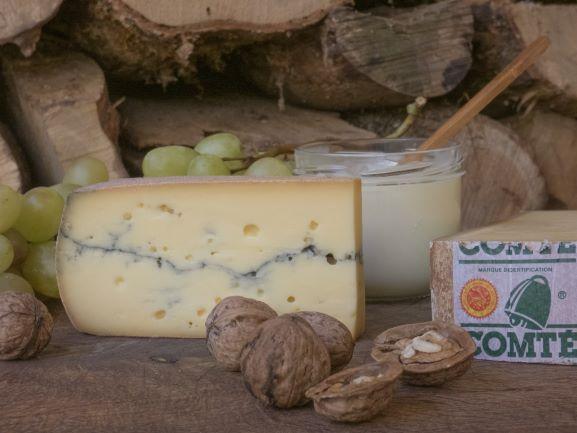 Plateau de fromage francs-comtois - Photo : Corinne Vasselet/Bourgogne-Franche-Comté Tourisme