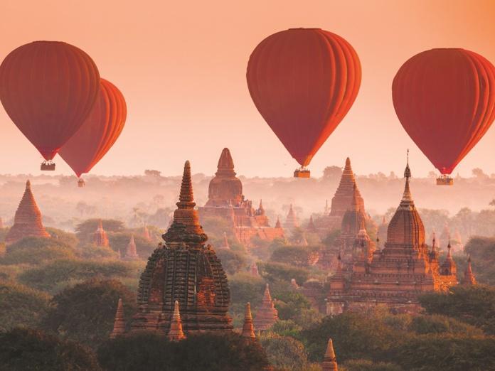 Parmi les options proposées par TMR pour ce 46 tour du monde, le survol en montgolfière de la plaine aux 2 500 temples de Bagan (Birmanie) - DR : TMR