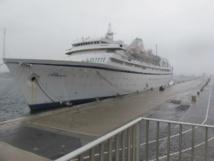 L'Athena, immobilisé au poste 123 de la Digue du Large dans le port de Marseille - Photo P.C.