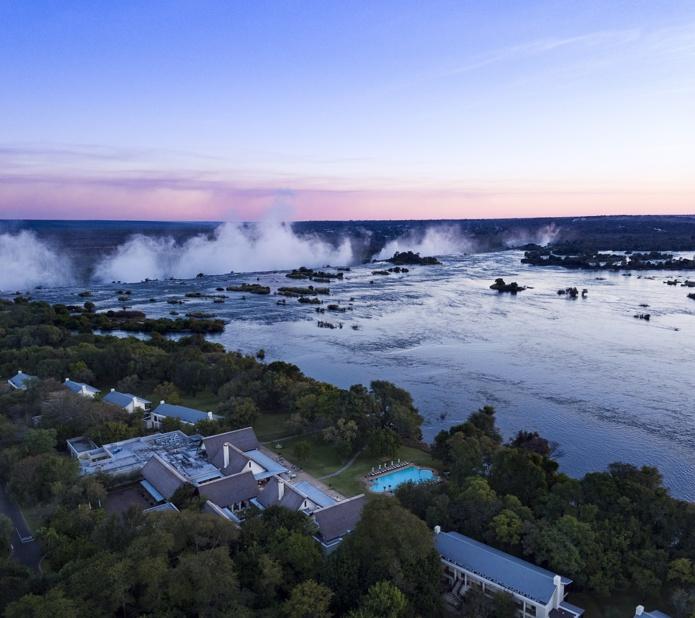 Vue imprenable sur les Chutes Victoria depuis  Le Royal Livingstone Victoria Falls Zambia Hotel by Anantara - DR