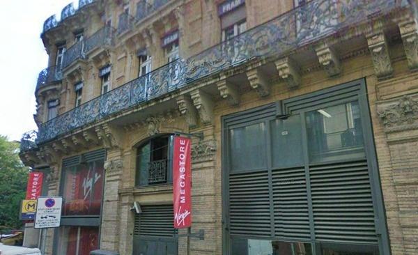 Selon nos informations l'immeuble sis au 3, rue du Poids de l'Huile et qui donne sur la place du Capitole, siège social de Fram Agences, fait l'objet d'une b[promesse de vente signée pour un montant estimé entre 5 et 7 millions d'euros /photo Google Street