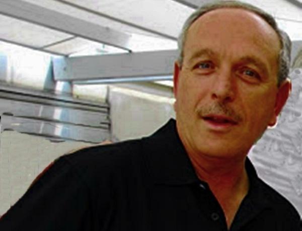 Directeur général et fondateur du voyagiste racheté par Transat, Sam Zribi quitte l'entreprise mais Patrice Caradec promet de maintenir la structure si la Tunisie repart avec une large progression, sinon Amplitravel deviendrait une marque blanche et l'équipe rejoindrait Look Voyages...