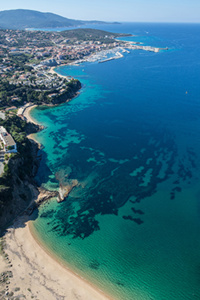 © Editions Corse / Propriano, ses plages, son port