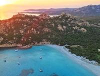 © Voler en Corse / La célèbre plage de Roccapina et son lion