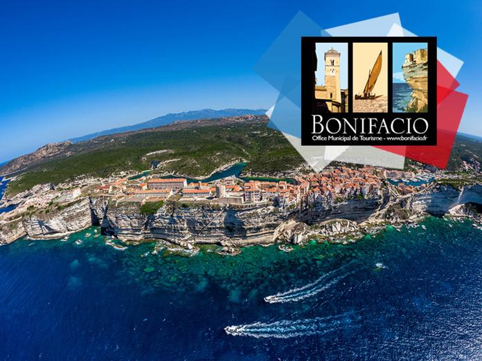 Bonifacio - Falaises & Citadelle - Vue aérienne - © Robert Palomba