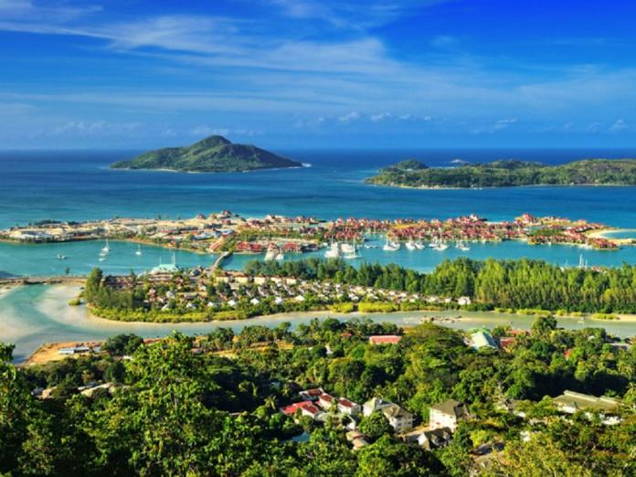 Les Seychelles rouvrent ses frontières à tous les voyageurs, même ceux non vaccinés - Depositphotos.com