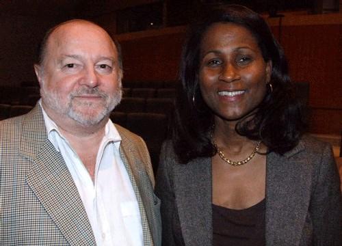Raymond Sahuquet, réalisateur de ce film en 3D, aux côtés de Bernadette Willemin, dir. du Conseil National du Tourisme des Seychelles