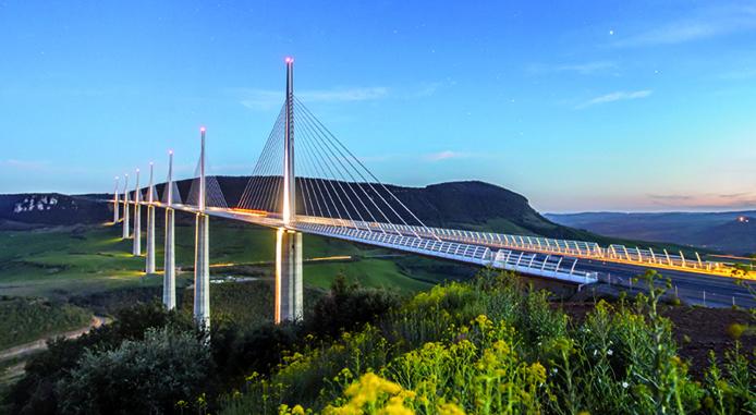 Le Viaduc de Millau en Aveyron © G.ALRIC