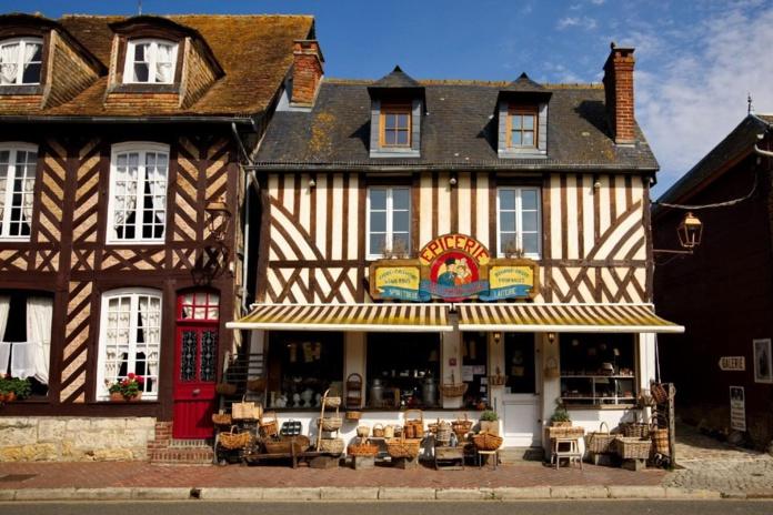 Beuvron-en-Auge est traversée par la Route du cidre, qui s'étend sur 40 km, et fédère une vingtaine de producteurs  - DR :  Thomas Boivin, Calvados Tourisme