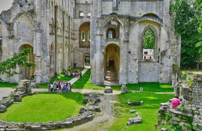 L'Abbaye de Jumiège, parmi les plus belles ruines de France - DR : Normandie Tourisme
